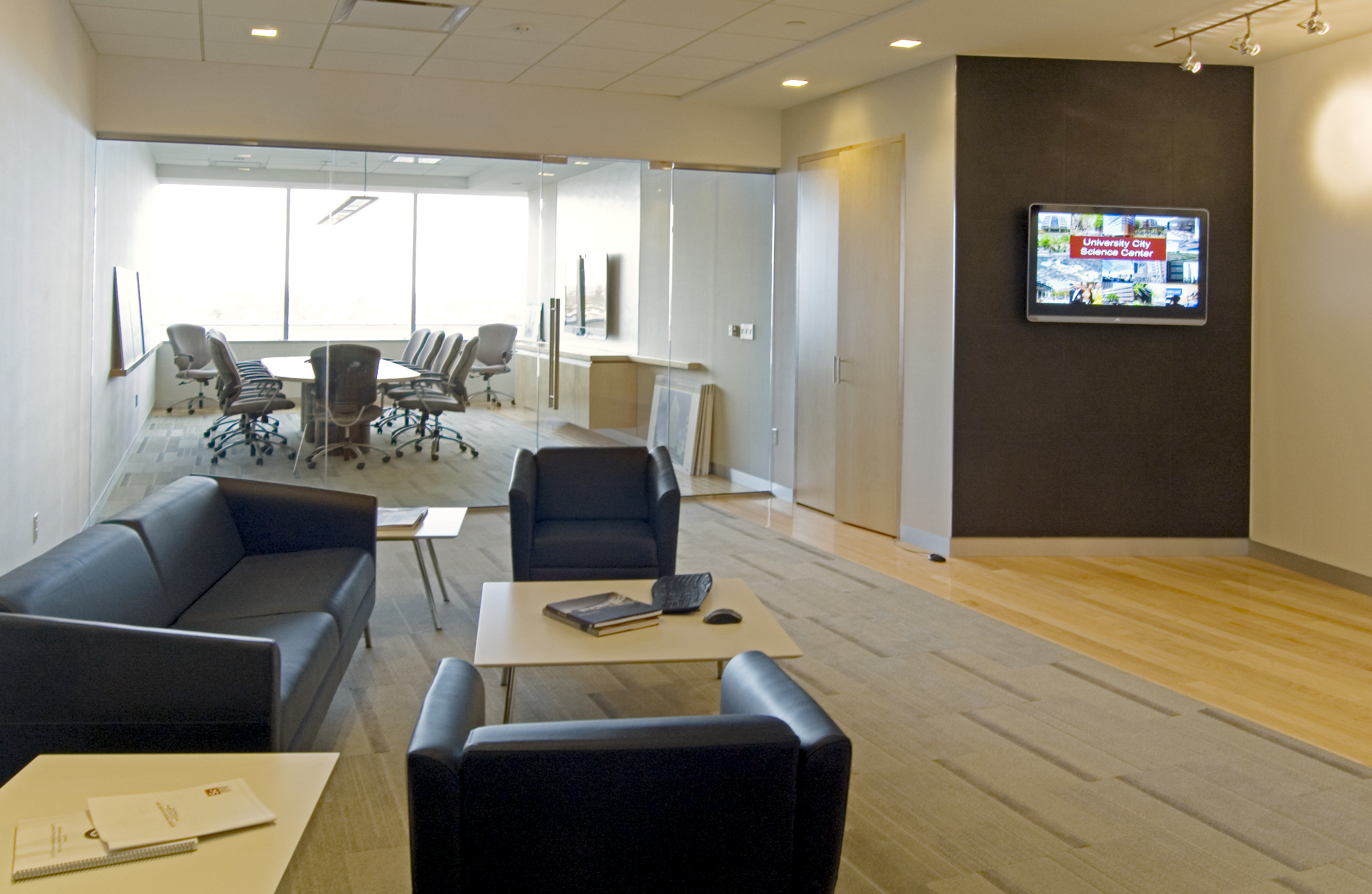 Corporate office on the level with gardner fox - Business office ...